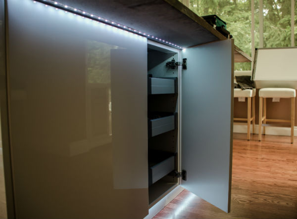 Светодиодная подсветка для кухни под нижние шкафы