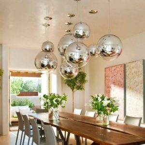 Светильник шар на кухне